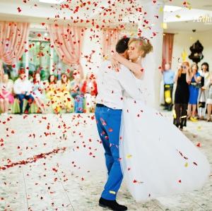 Ce dans de nunta ti se potriveste, in functie de rochia aleasa