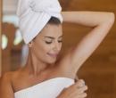 Șapte greșeli pe care le faci când folosești deodorant