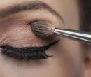 Cinci greşeli de makeup pe care o femeie stilată nu le face