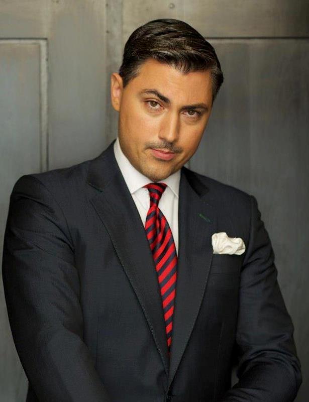 Reguli de vestimentatie pentru mire - Interviu cu Alexandru Ciucu