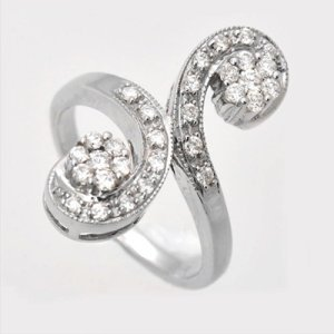 De ce arata diamantul meu diferit in surse diferite de lumina?