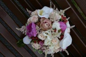 Buchete din flori naturale pentru domnisoare de onoare