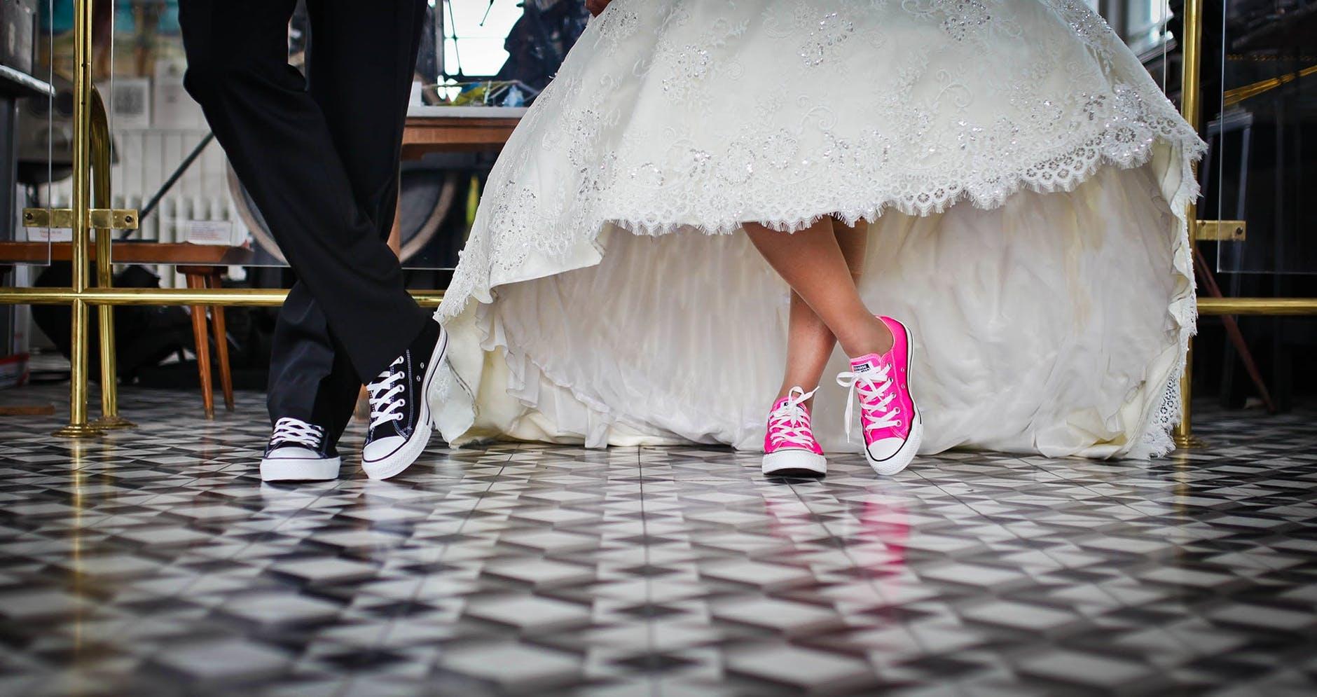 10 melodii de nunta care iti vor face invitatii fericiti in 2019
