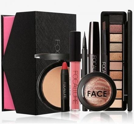 Pandera iti propune o noua sugestie de cadou: gama de cosmetice Focallure