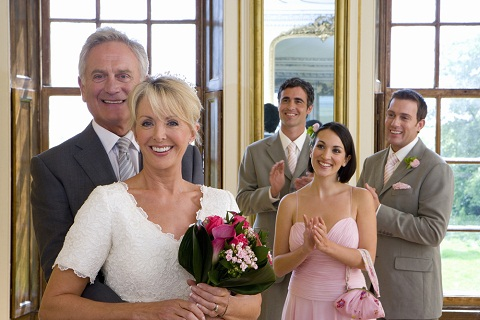 Mireasa la +40 de ani: 4 sfaturi pentru a te simti perfect la nunta ta