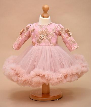 Rochita de botez potrivita pentru fetita ta si recomandarile oferite de Couture Bebe