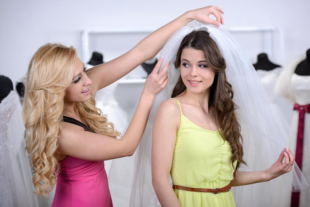 5 accesorii pe care trebuie sa le potrivesti cu atentie cu rochia de mireasa