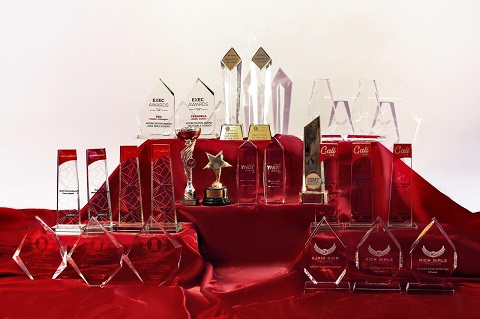 E cod rosu de premii! Rich Girls Studios detine peste 6 trofee  castigate vara aceasta