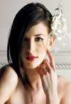 Coafuri simple de mireasa: modele si sfaturi de accesorizare