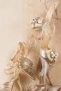Mireasa chic: 12 idei de pantofi si sandale de vara