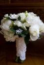 Inspira-te: 10 flori albe perfecte pentru un buchet de mireasa