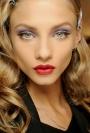 10 produse de make-up indispensabile, pe care uiti sa le folosesti