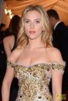 Trucuri vestimentare, de cosmetica si de machiaj de la Scarlett Johansson