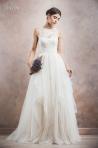 Lasa-te cucerita de colectia de rochii de mireasa 2014 de la Divine Atelier!
