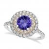 Cere-o de sotie cu un inel de logodna deosebit!