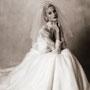 Alege o rochie de mireasa inspirata de istoria ei