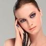 Trusa de beauty: 13 produse must-have pentru ziua nuntii