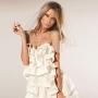 Trend alert in 2011: rochia de mireasa scurta