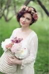Coafuri de mireasa cu flori: puritate si feminitate in ziua nuntii