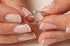 Inelele de logodna din argint, in topul preferintelor viitoarelor doamne