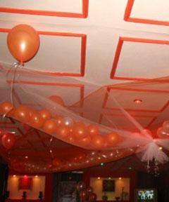 Aranjamente cu baloane pentru nunta moderna 2