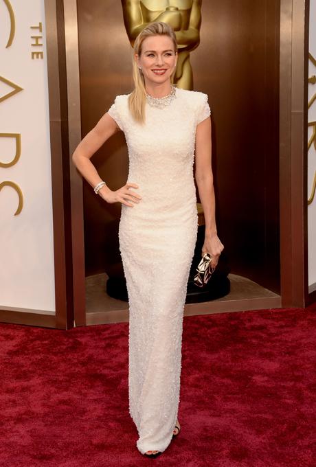 Naomi Watts in rochie Calvin Klein