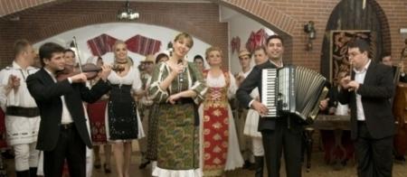 Formatia Laurentiu Caldararu, muzica pt nunti