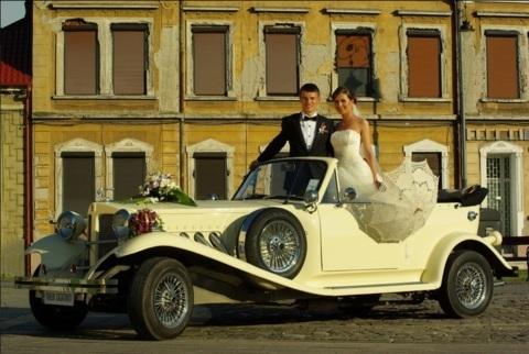 Masina de epoca de inchiriat la nunta