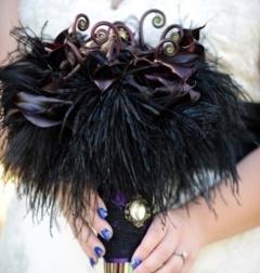 Buchet de mireasa din flori negre