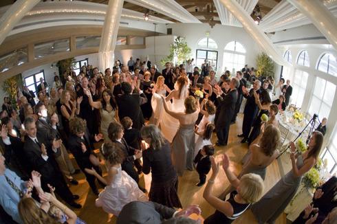 Cum sa-ti distrezi invitatii la nunta