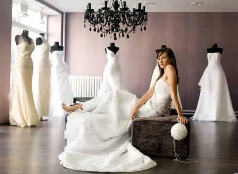 mireasa la proba rochiei de mireasa