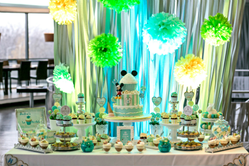 Candy bar mint cu tematica Mickey Mouse -  Grace Couture Cakes