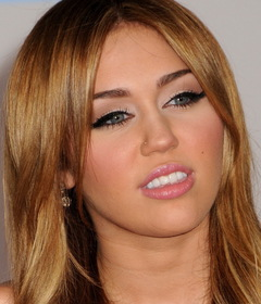Machiaj Miley Cirus
