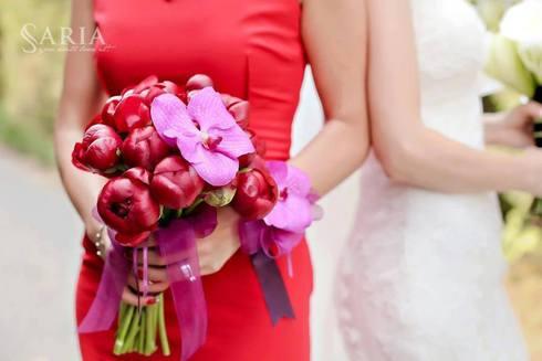 Buchet de mireasa cu flori rosii