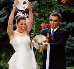 Miri care elibereaza fluturi la nunta
