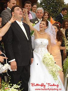 Eliberare de fluturi vii la nunta
