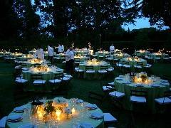 Nunta in aer liber la lumina lumanarilor