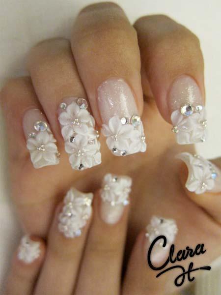 Modele cu floricele de unghii de mireasa