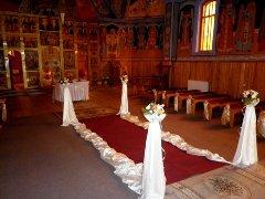 Covor rosu in biserica