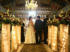 Stalpisori de nunta in stil tuburi de lumini