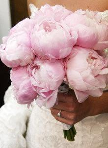 poza buchet mireasa roz