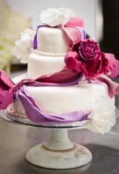 tort cu design floral