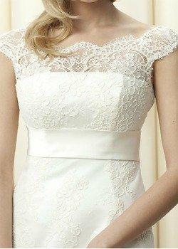 rochie cu aplicatii