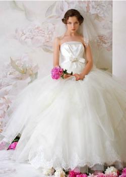 rochie de mireasa 2011