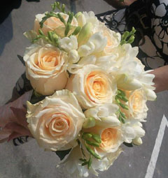 frezii cu trandafiri