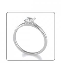 inel cu diamant patrat