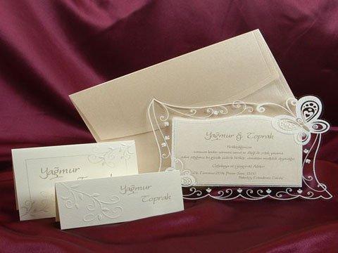 model invitatie ivoire