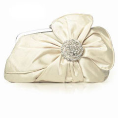 model geanta de mireasa