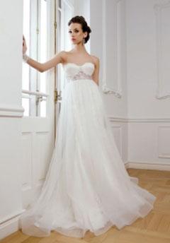 rochie de mireasa 2012