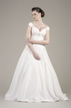 rochie mireasa pentru plinute